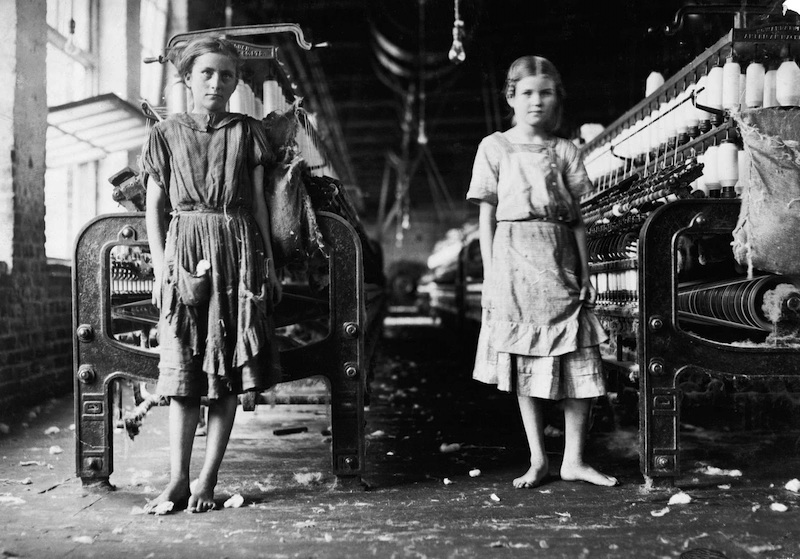capitalism - Lewis Hine - Spinners in a cotton mill, 1911