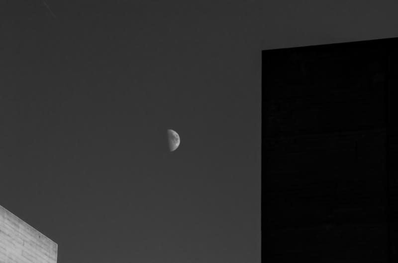southbank moon 1