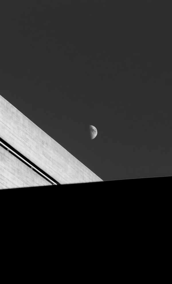 southbank moon